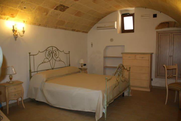 Camera di 26 mq con bagno privato. - Mesagne - Haus
