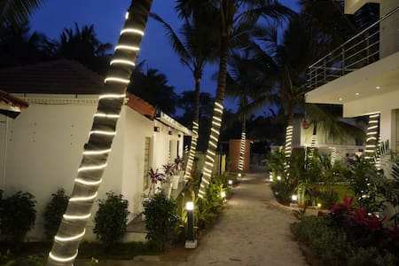 ESCAPE - UDS COCO HOTELS & RESORTS, Udumalpet