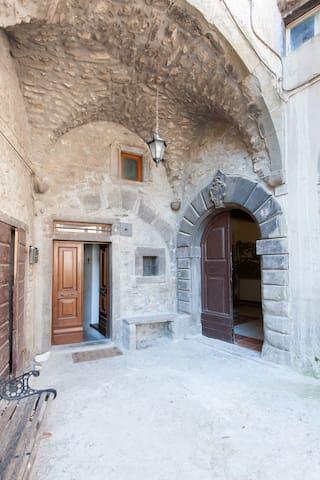 Un Palazzo Medievale di Campagna - Casola In Lunigiana - Casa
