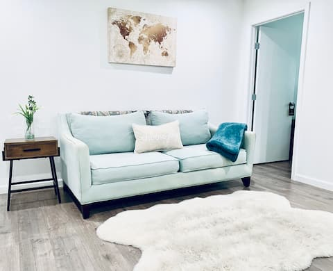 Remodeled Flat Near Downtown Great For Staycation