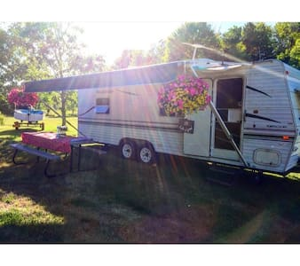 Majestic RV in the Woods - Grand Island