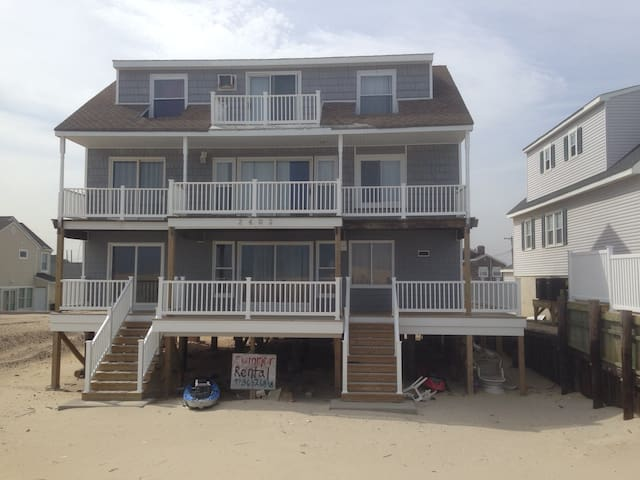Ocean Front 3 bedroom - Lavallette - Casa