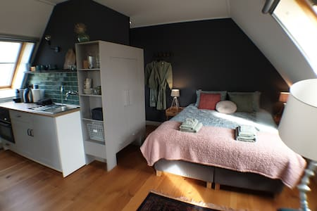 complete studio close to A'dam, Hoorn, Alkmaar