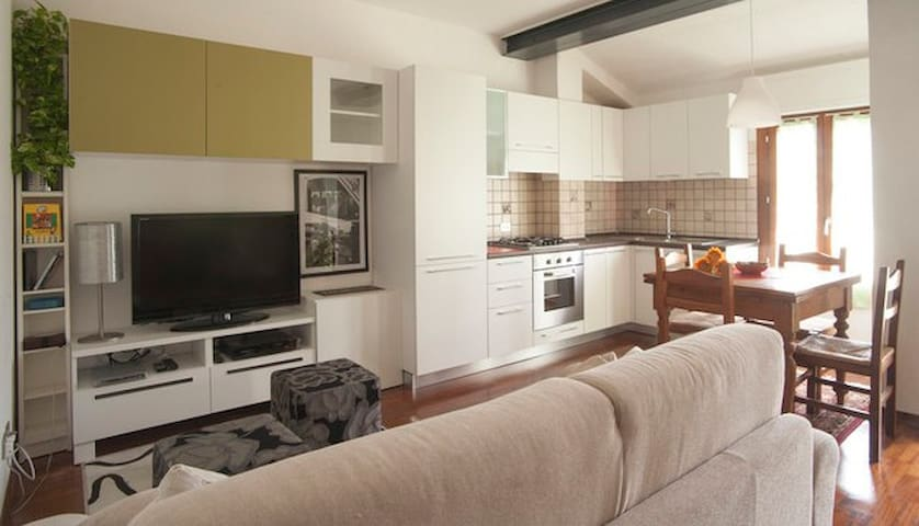 Apartment 3 rooms 3 bathrooms 1 livingroom kitchen - Castel San Pietro Terme - Lejlighed