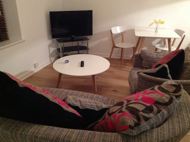 """Copenhagen"" 1 Bedroom Apartment - Ulverston - Byt"