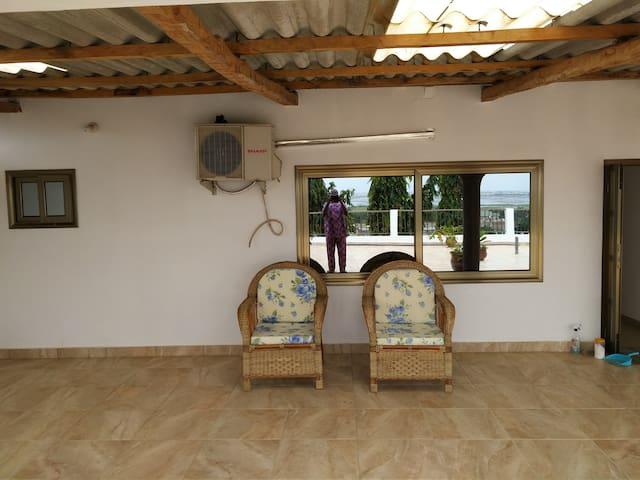 Room 3 Tina & Manu Residence