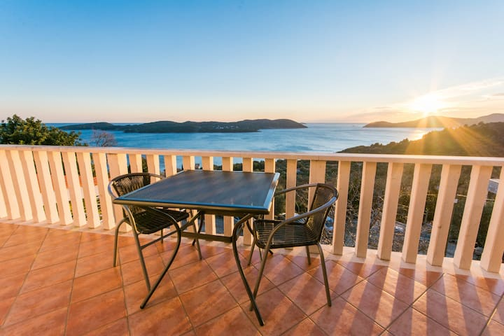 Big seaview apartment Dubrovnik - Dubrovnik - Apartemen