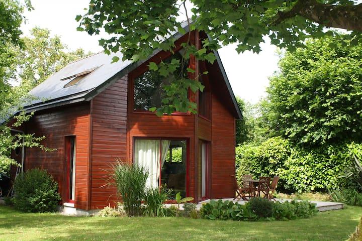 Charmante maison ossature bois - Rédené - Dům