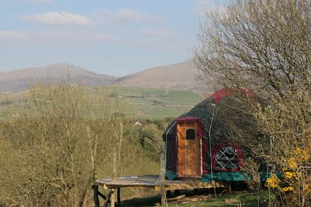 Beautiful Yurt, mountain and sea - Clynnog-fawr