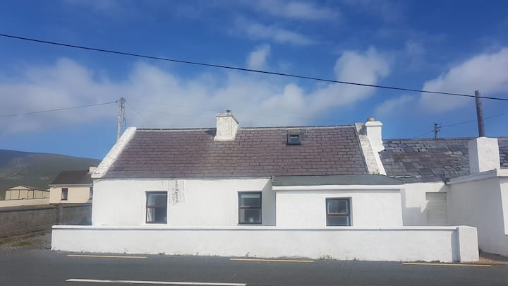 Sea View Cottage - Dooagh, Achill Island