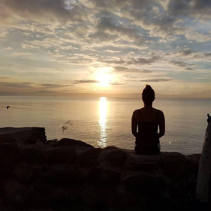 Relax beside the ocean _Modern 1