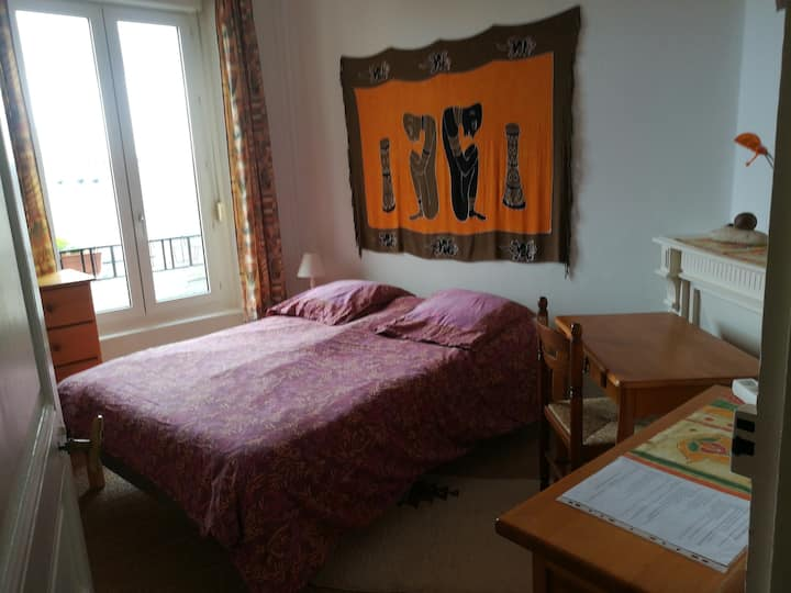 chambre simple centre ville Quimper