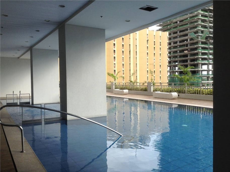 Outdoor swimming pool on level 6