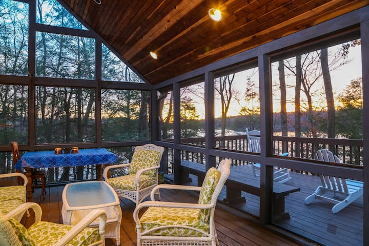 Perfect Family Getaway on Woodridge Lake - Goshen - Huis