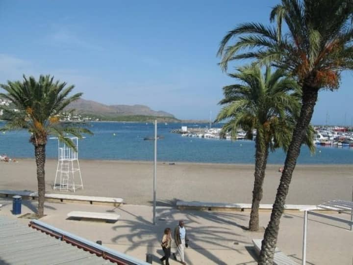 Nice first floor apartment well-equiped for 4/5 persons at LLançà, Costa Brava,
