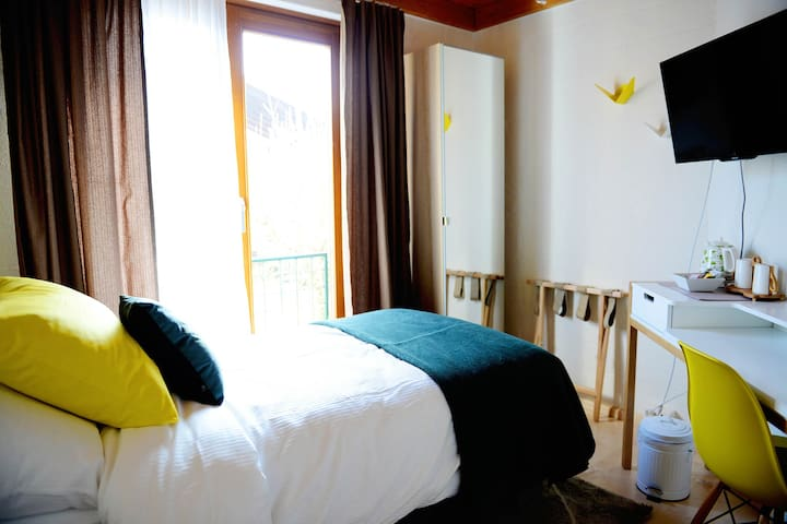 Comfortable, modern single room - Rheinfelden - Szoba reggelivel