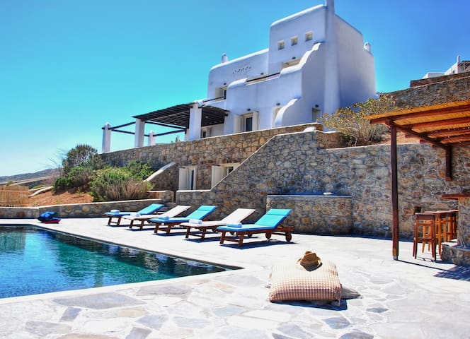 5*****Rated Traditional Villa Breathtaking View