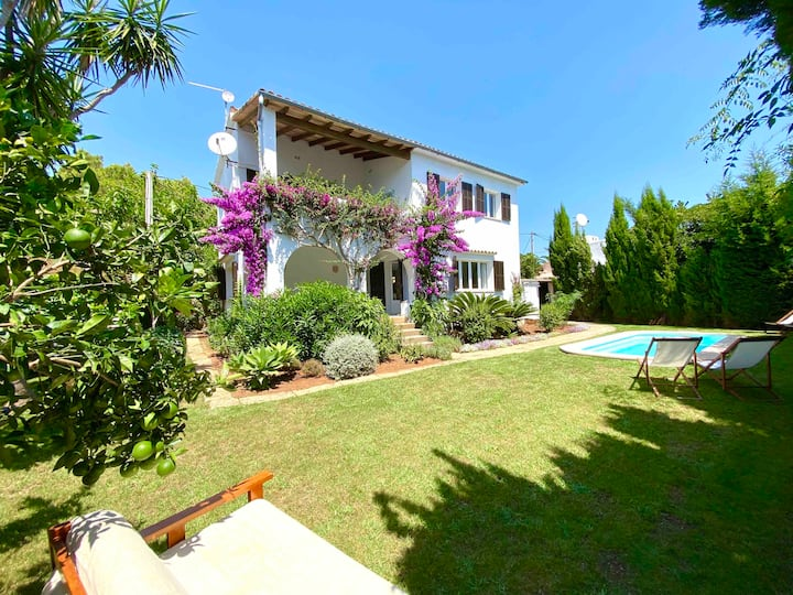 Lovely completely renovated  house near the beach