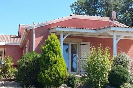 Villa panorama unique - 2 chambres - Ste Livrade sur Lot