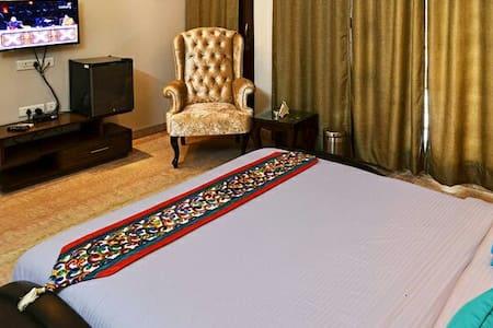 Sukhna villa - Bed & Breakfast