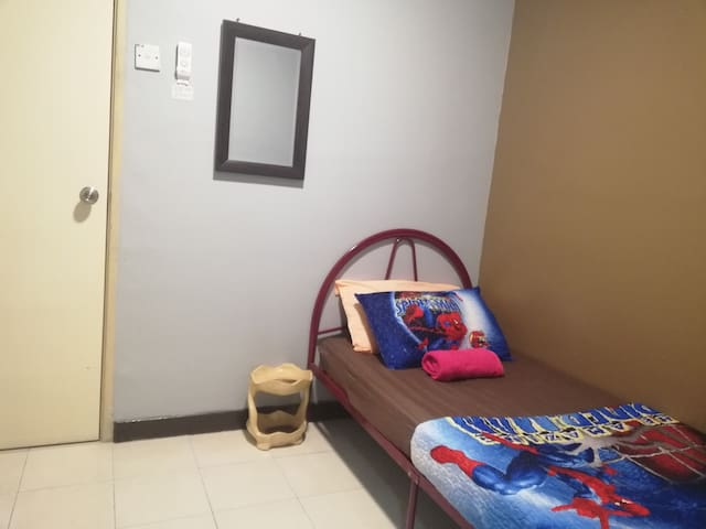 3rd bedroom (1 single bed with ceiling fan)