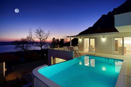 Luxury Villa/Stunning View/Heated Pool/Great Price - 馬卡斯卡