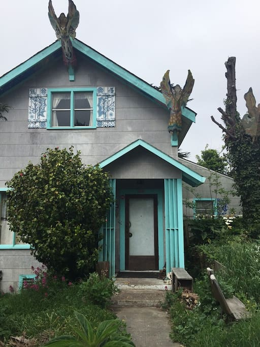 Lauren's home and headquarters of Artgoddess, her art business in Point Arena. The Angelwing room is named for the angels that grace the eaves of the house like the sculpted goddess on a ship's bow.