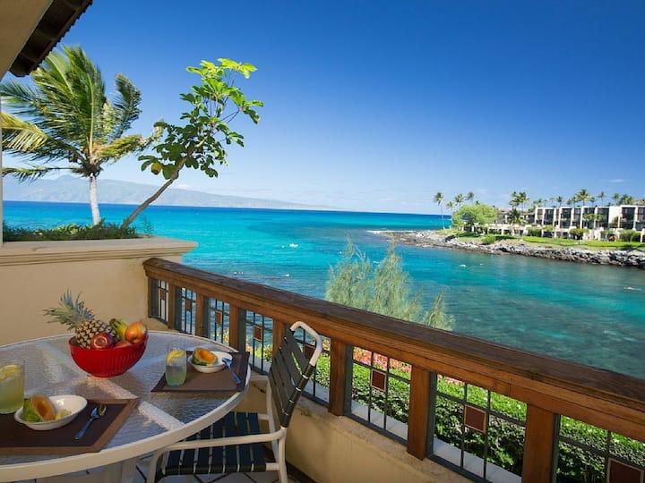 Aloha Honu Hale:Stunning 4 Bedroom Oceanfront Home