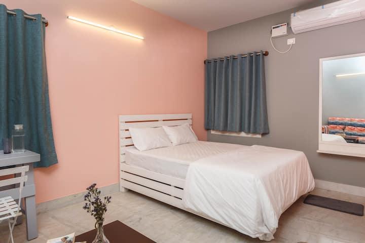 Woke HSR - Private Room - Deluxe Room