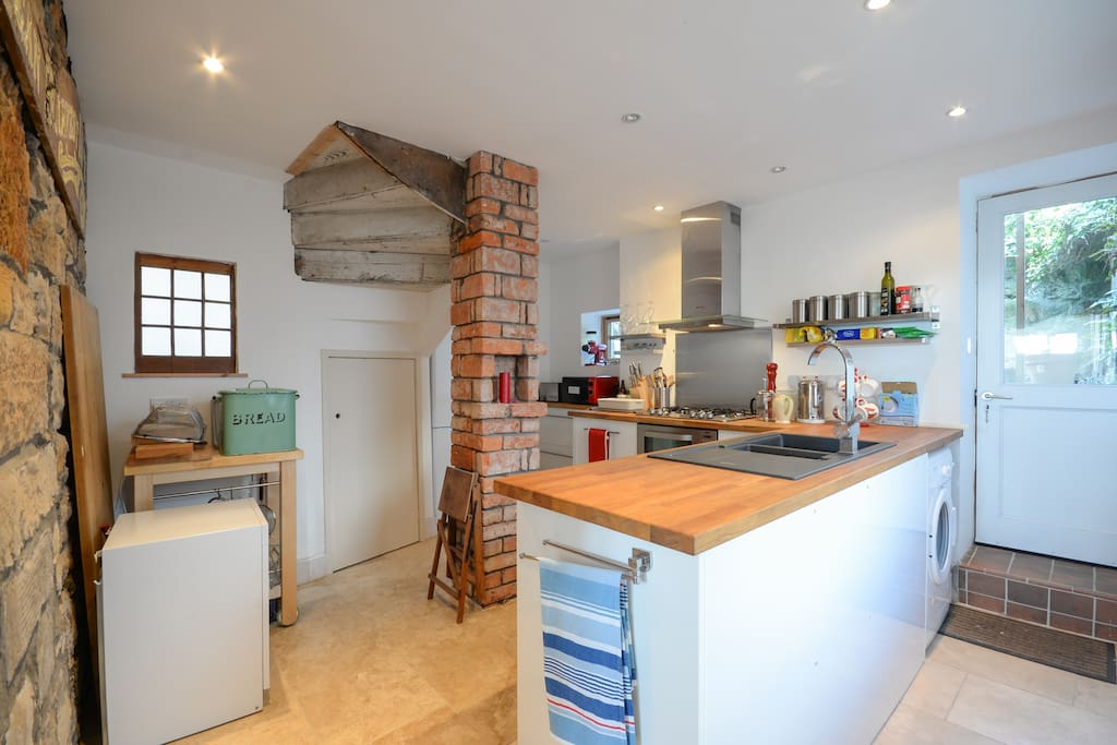 Fully fitted kitchen outstanding original features and modern convieniences