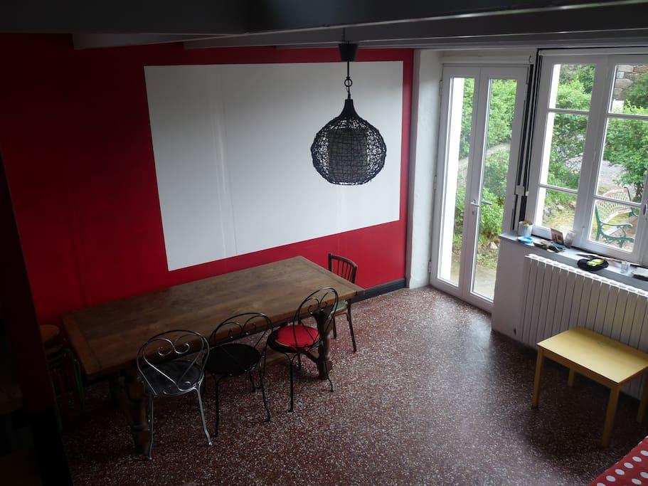 ancienne boucherie du village devenue une salle à manger