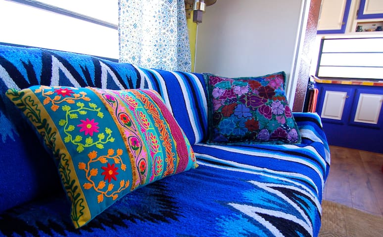 Some more finishing touches to allow you immerse yourself in the color and character of the Baja