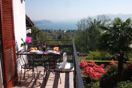 """""""Villa Cate""""-Grazioso Monolocale- - Cresseglio di Arizzano - อพาร์ทเมนท์"""
