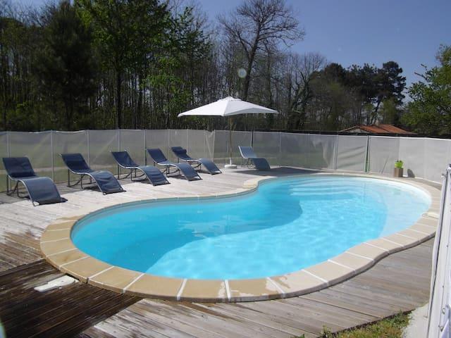 maison de campagne avec piscine - Sourzac - Huis