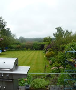 Double Room with Chiltern Hill view - Radnage