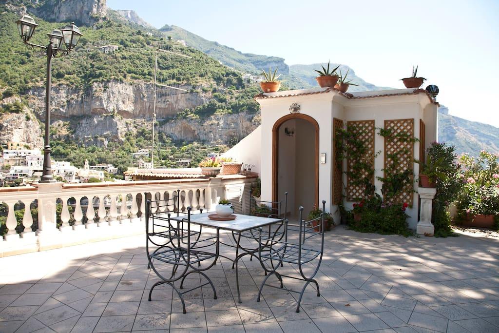 Villa Palumbo terrace entrance