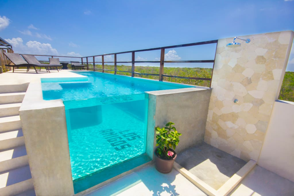 Sky pool with glass wall. Take amazing underwater pictures :-)