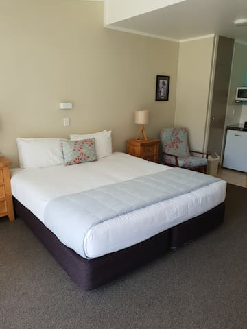 Hananui Lodge Unit 4