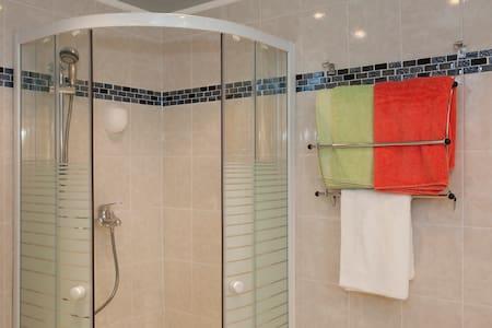 Très jolie appartement T3dans villa - Saint-Florent