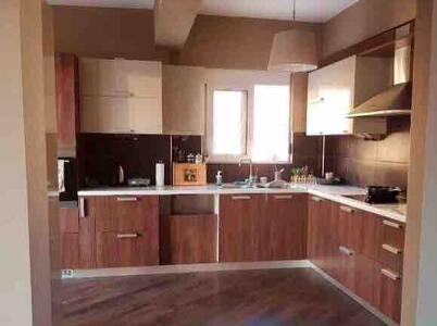 Φωτεινό όμορφο διαμέρισμα με θέα!