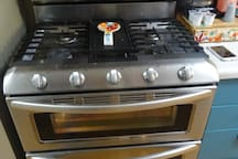 Oven available for use