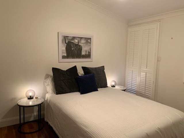 Gorgeous Room in Central Terrace House Retreat