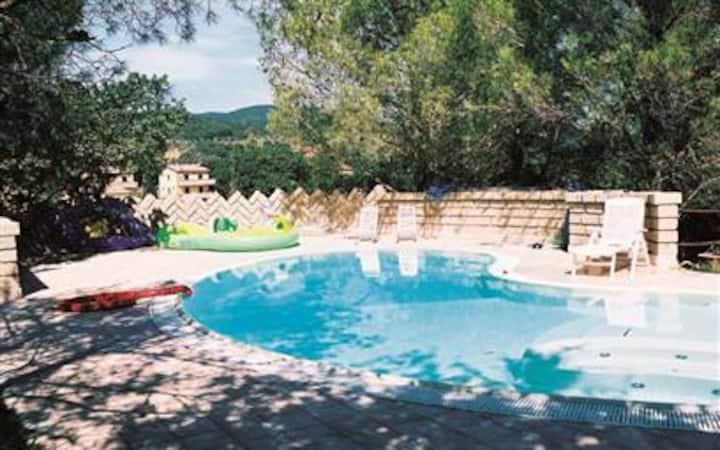 Villa EM