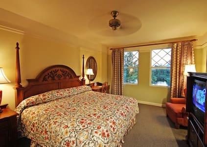 1BR Disney Saratoga Springs Resort - Lake Buena Vista