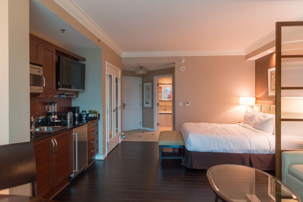 Mgm signature balcony deluxe suite flats for rent in las - Mgm signature one bedroom balcony suite ...