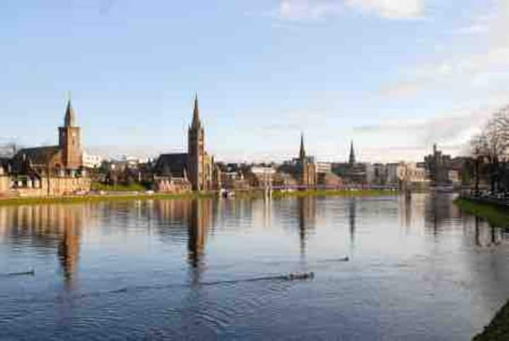 Wells Street Apartment near River Ness!