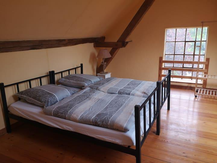2 schöne große Zimmer ( 54 qm) im Mühlenspeicher