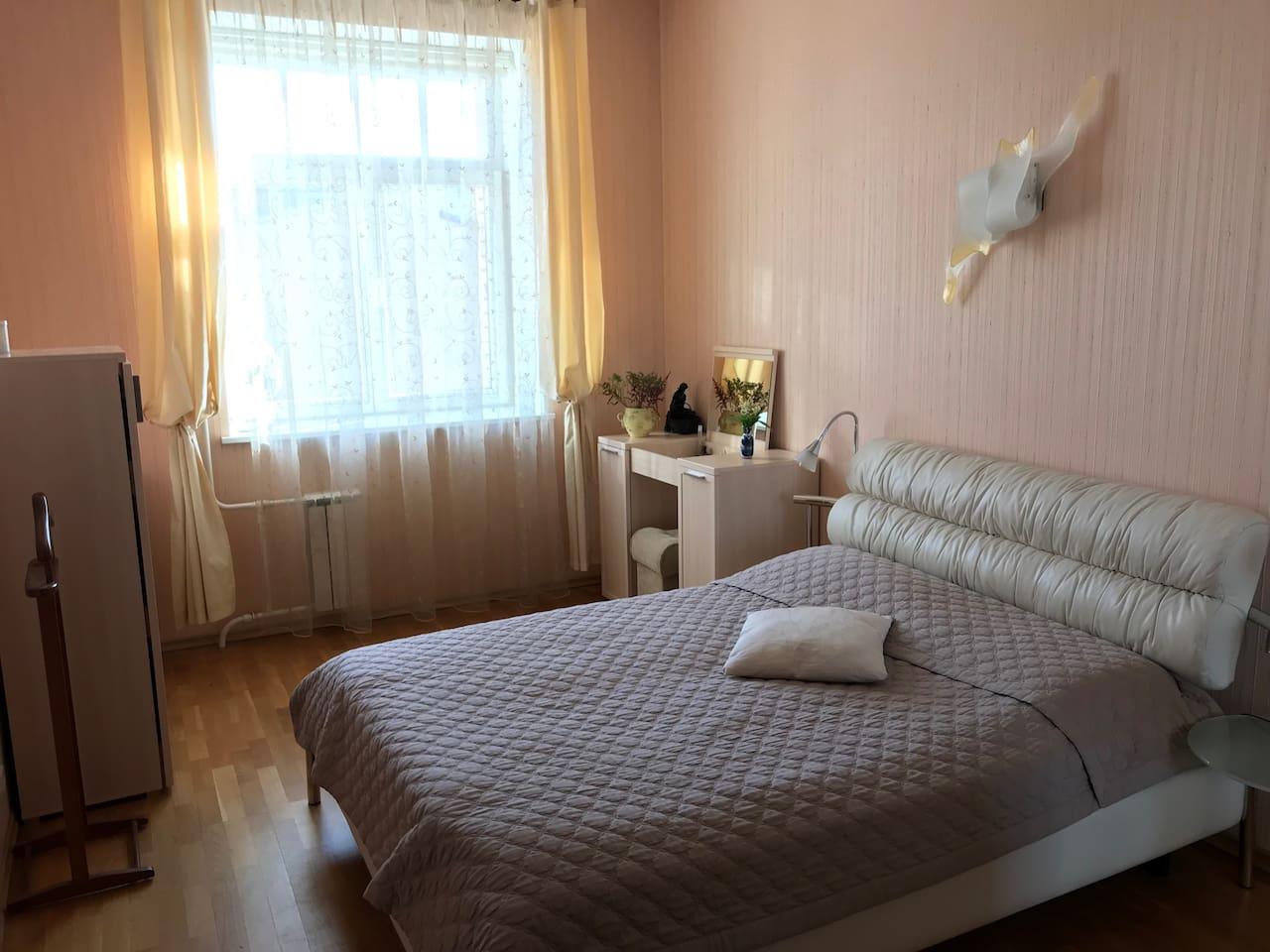 Роскошная спальная комната.