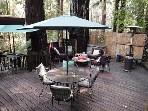 Tranquility Base Redwood Mountain Tree House