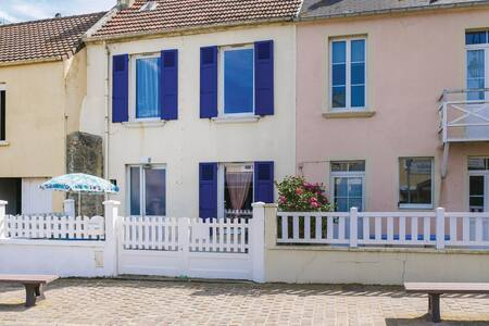 Terraced house with 2 bedrooms on 42m² in Arromanches-les-Bains